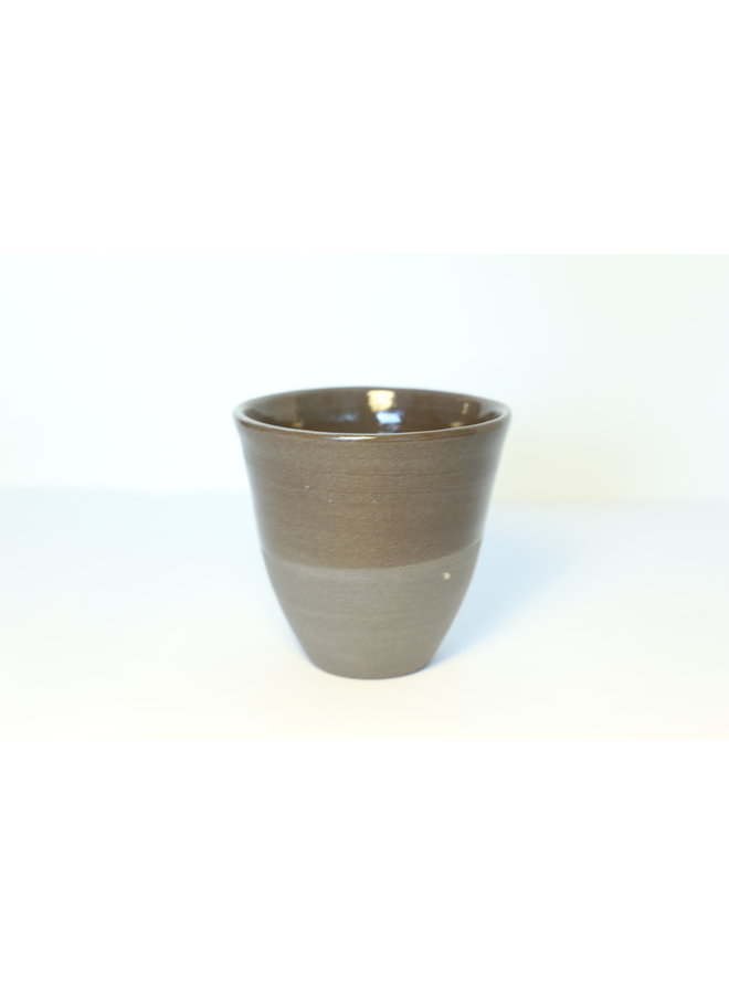 Ceramic expresso bag handmade in gray cast clay with a natural ocher edge