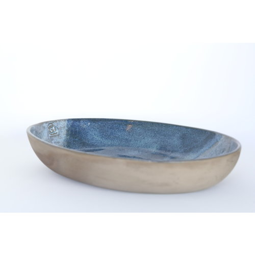 ARTISANN-design Scale made in a gray chamotte clay and finished with a beautiful blue glaze in two shades