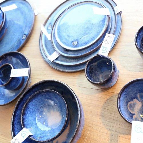 Keramisch servies kleurt je tafel
