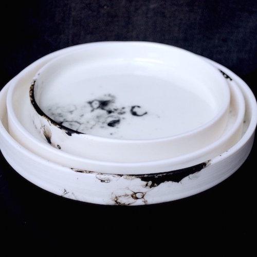 Porselein is het fijnste ingredient van de kleisoort en straalt van finesse