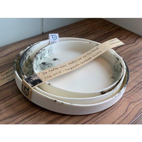 PARTEIR-design Een set van 3 borden die in elkaar passen, kan ook gebruikt worden als serveerschalen