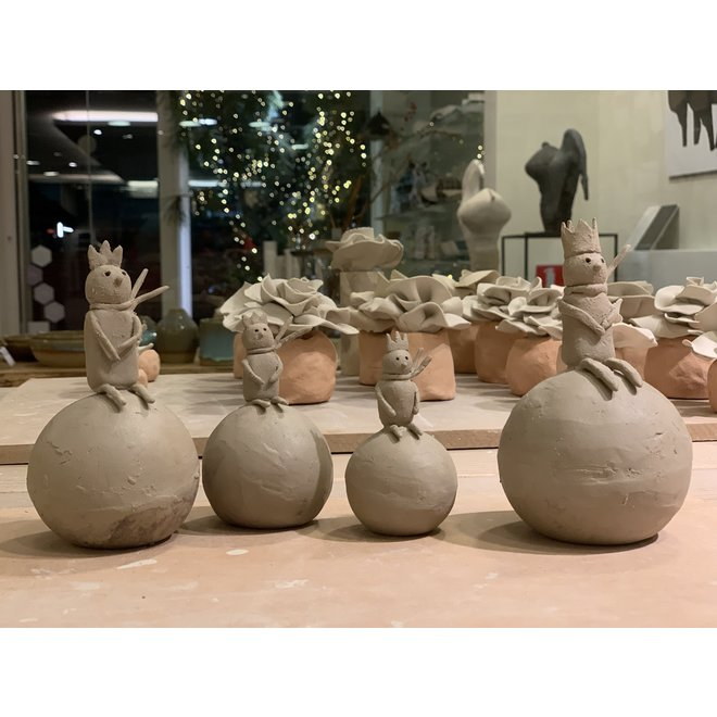 "Unique and exclusive Christmas decoration in stoneware in the theme of ""The Little Prince"" is sold as Special Edition at Artisann."