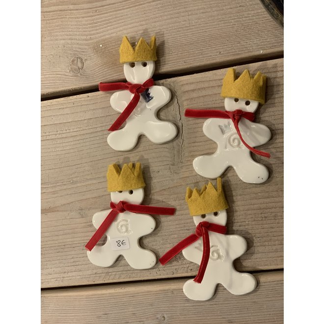 """Unique and exclusive Christmas decoration in porcelain and stoneware in the theme of """"The Little Prince"""" is sold as Special Edition at Artisann."""