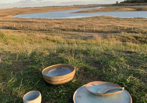 Tableware in ceramic