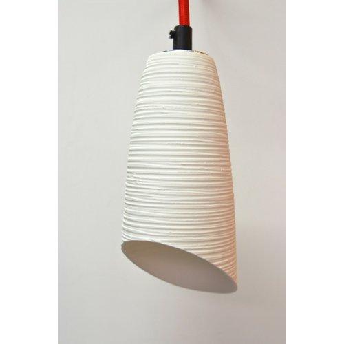 K!-design Lampe fine originale en porcelaine blanche avec une belle transparence.