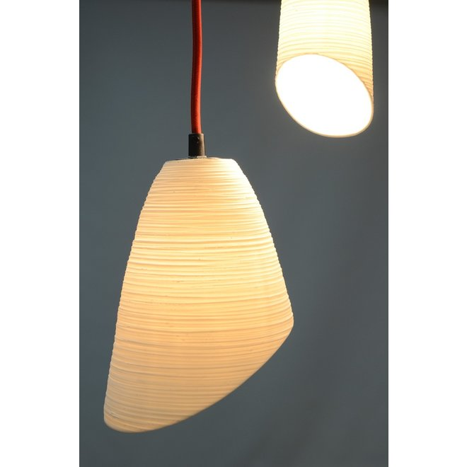 Originele fijne witte porseleinen lamp met prachtige transparantie