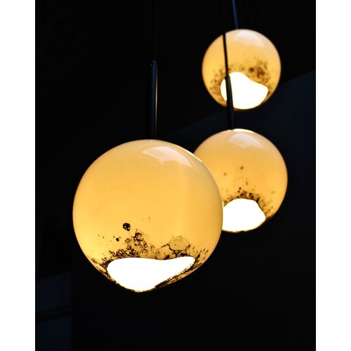 Fréderique-design This lamp from the BONNY collection is truly a luminous gem in your interior.