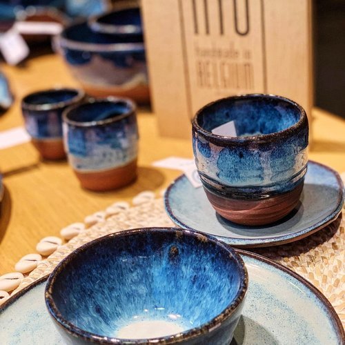 Le petit bonheur, c'est… le confort avec une tasse du café ou thé unique fait main en céramique