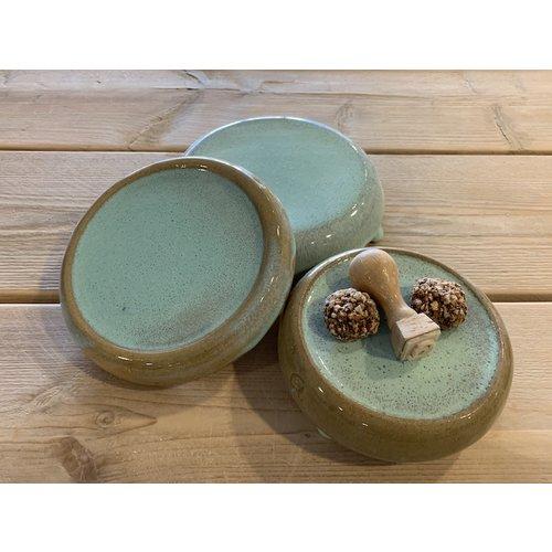ARTISANN-design Le pierre présentation fait main en argile mouchetée anglaise et son magnifique glaçage à feu Floating- turquoise bleu clair blue.