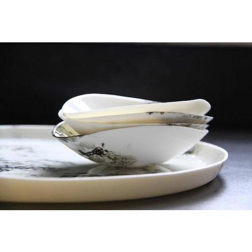 Fréderique-design Porcelain plate Bonny finished with black buttons in Bubbles technique