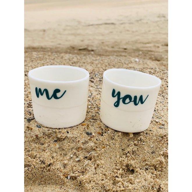 """""""Yes, oui, ja"""" le mot positif le plus fort, """"You, Me, Toi, Moi"""" sur un bougeoir fait main en porcelaine unique,"""