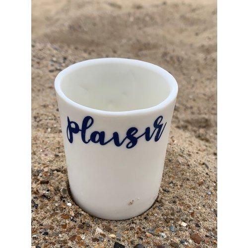 """ARTISANN-design  """"Amitié, Plaisir"""" deux mots précieux dans nos vies et maintenant cuits sur porcelaine. En vente chez Artisann à Knokke."""