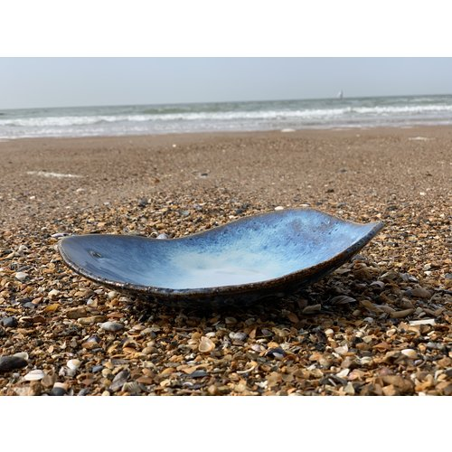 "ARTISANN-design  Handmade ceramic plate ""Coquillage"" made with the inspiration of the Knokke sea atmosphere"