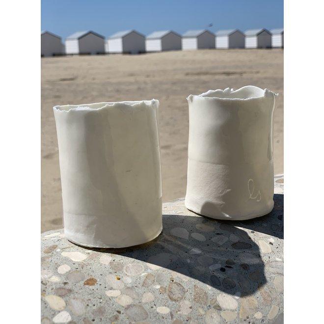 Clair avec bougie chauffe-plat en porcelaine fait main avec une bordure sans fioritures