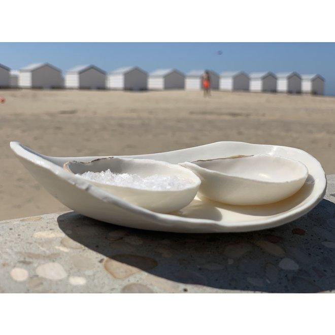 Porseleinen zout, peper of oliepotje met schaaltje