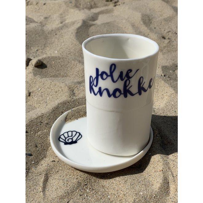 """""""Jolie Knokke"""" met een transfer gebakken op een porseleinen handgemaakte tas, drinkbeker, vaasje"""