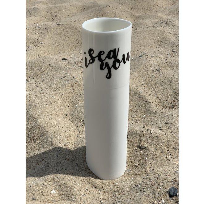 """""""I Sea You"""" spreekt voor zichzelf op een uniek porseleinen vaas in cilindervorm"""
