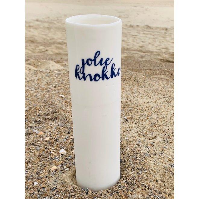 """""""Jolie Knokke"""" parlent d'eux-mêmes dans un vase en porcelaine unique en forme de cylinder"""