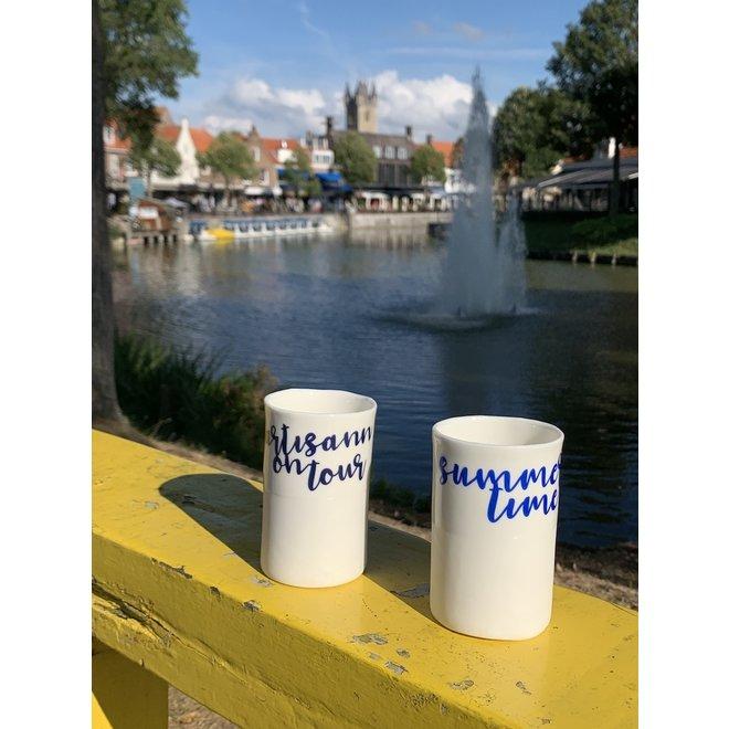 """""""Summertime"""" avec un transfert cuit sur un sac en porcelaine fait main, une tasse à boire, un vase"""