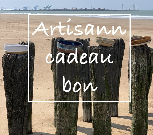 Carte cadeau de style artisann. Here you buy authentic and handmade happiness.