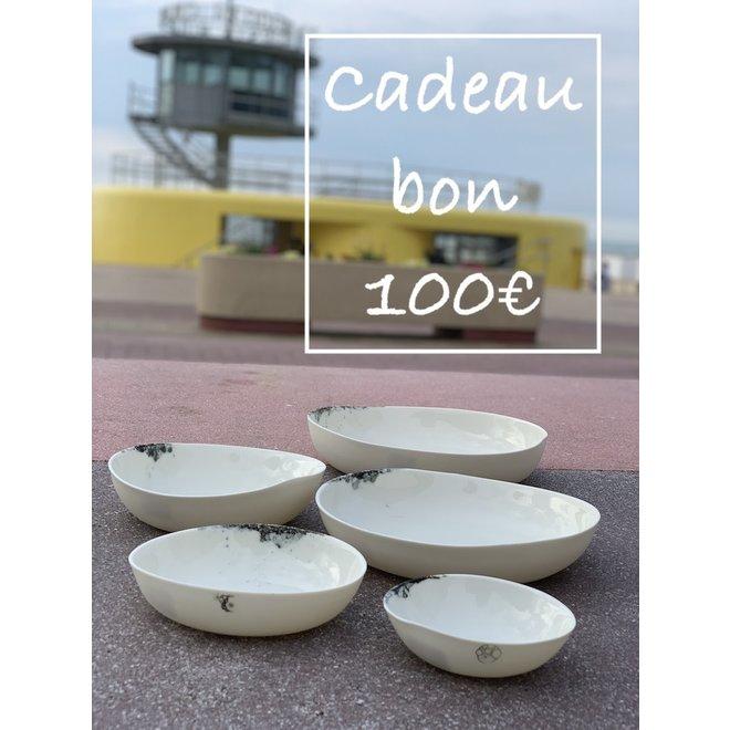 Un bon cadeau pour des céramiques artisanales de 100€ est fabriqué et offert avec beaucoup de passion et d'amour.