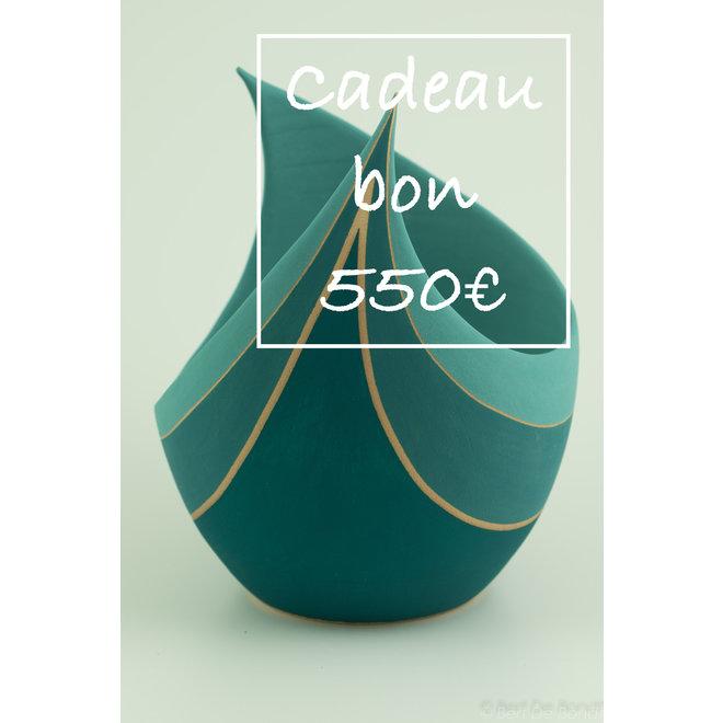 Een cadeaubon voor handgemaakte keramiek 550€ is met veel passie en liefde gemaakt en gegeven.