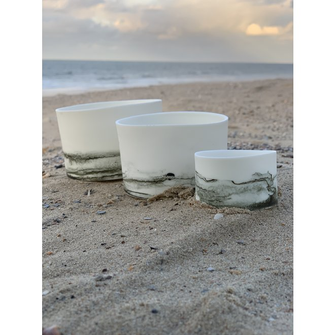 Lanterns in porcelain Claire that are also used as bowls or jars for tapas, nuts, chips, snacks