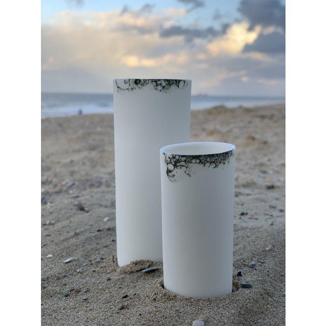Samen op de borrel in stijl met dit porseleinen borrelglaasje, dat ook uw tafel siert als vaasje