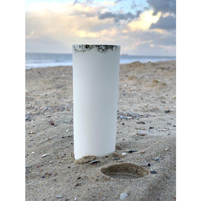 Faites durer votre apéritif plus longtemps. Ce verre en porcelaine peut être utilisé pour le Champagne, Cava, Prosecco, ...
