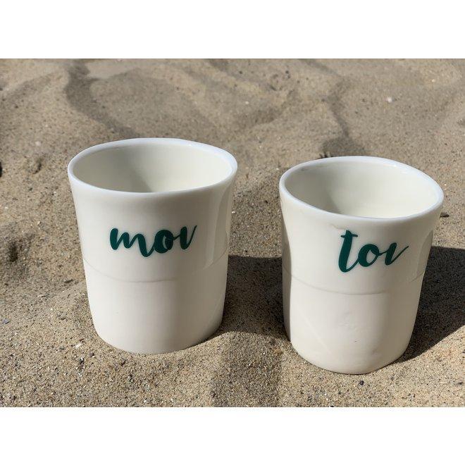 Cadeaupakket van 2 tasjes Toi & Moi met een transfer gebakken op een porseleinen handgemaakte tas, drinkbeker