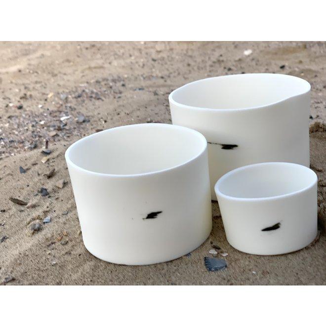 Paquet de cadeau de trois cilinders en porcelaine Clyde qui servent également de bols ou de bocaux pour tapas, noix, chips, snacks