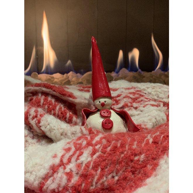Keramische kerstmannetjes handgemaakt met een ander jasje en symbooltje