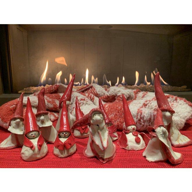 Père Noël en céramique fait à la main avec une veste et un symbole différents