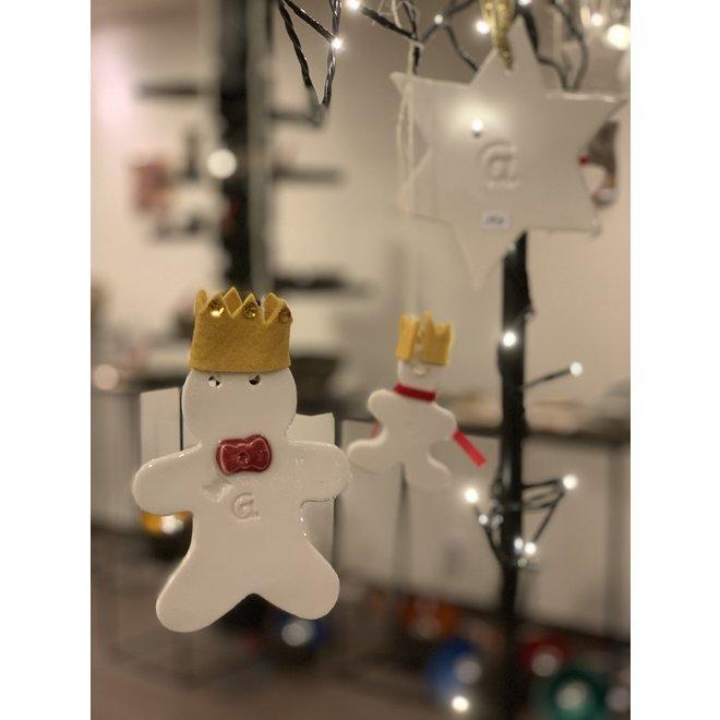 """Unique et exclusif est """"Le Petit Prince"""" """"fabriqué en porcelaine avec une couronne en feutre jaune"""