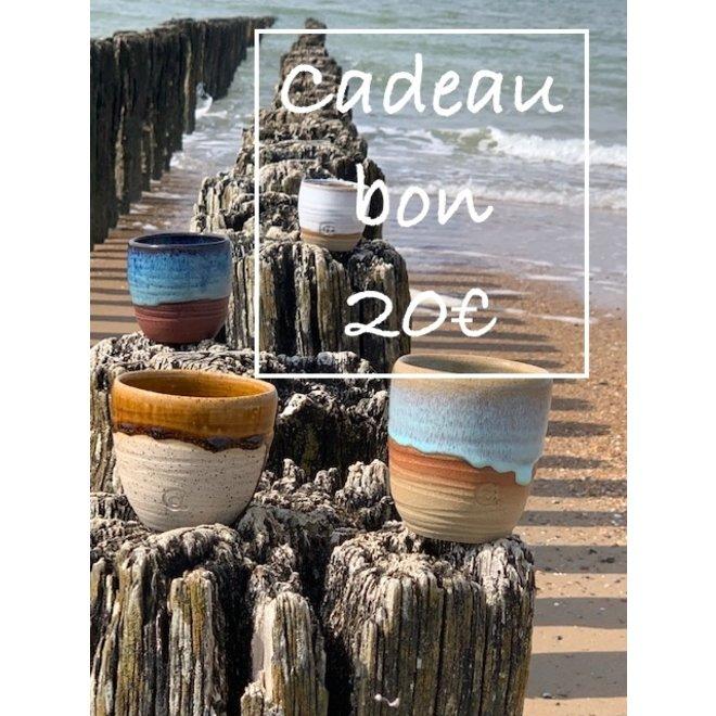 Un bon cadeau pour des céramiques artisanales de 20€ est fabriqué et offert avec beaucoup de passion et d'amour.