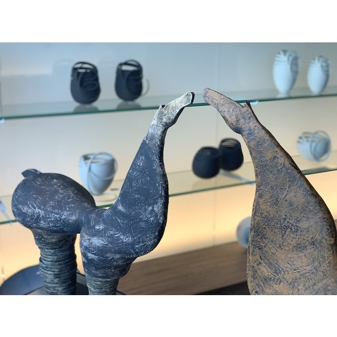 """Genummerd kunstwerk Ombra betekent schaduw  binnen de reeks """"contrasten beweging"""""""