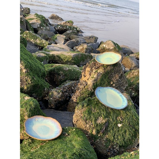 "Handmade ceramic plate Amandine Beachin shell shape ""Chefs Artisann i-lign"" for contemporary use as well as for catering."