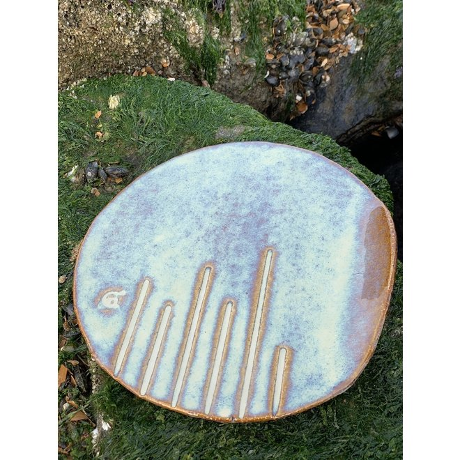 """Handmade round presentation plate """"Linea"""" from the """"Chefs Artisann i-line"""" with the Sunset glazes"""