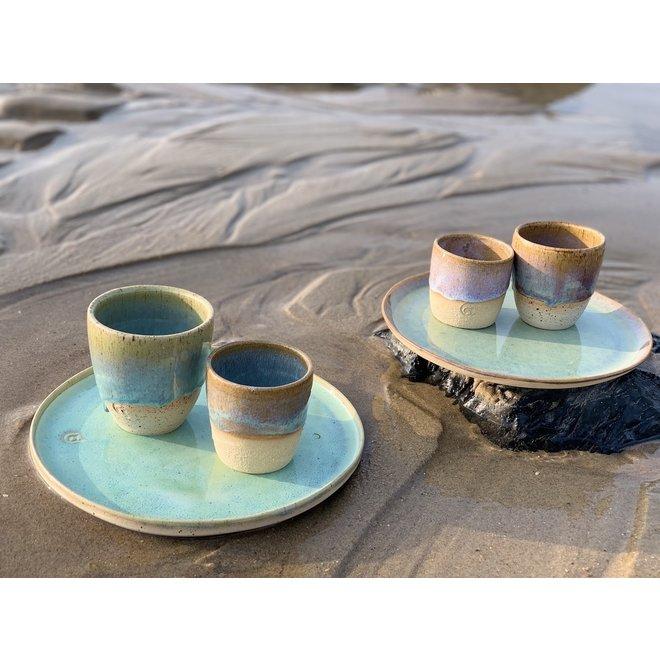 """Hedendaagse, handgemaakte keramische tas van het servies en de collectie """"Lagune"""""""