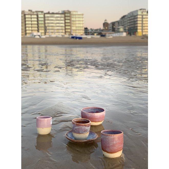 """Schaaltje """"Sunrise"""" gebruikt voor hapjes maar ook zeer leuk voor als schoteltje van een koffietas of mok."""