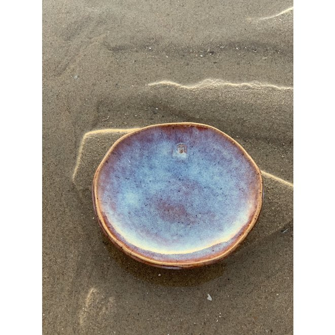 """Scale """"Sunrise"""" used for snacks, but also very nice as a saucer of a coffee cup or mug."""