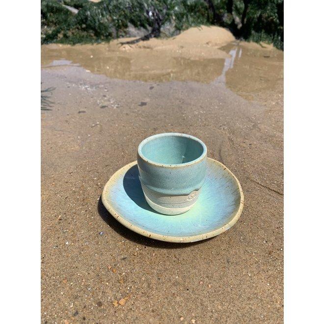 """Schaaltje """"Lagune"""" gebruikt voor hapjes maar ook zeer leuk voor als schoteltje van een koffietas of mok."""