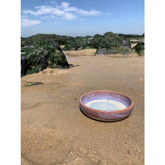 Avec le plateau tournant fait main en argile pyerite avec une belle glaçure à haute cuisson floating magenta,rose