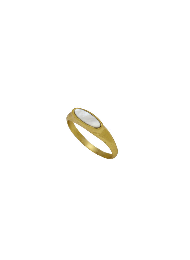 Tiny Pearl signet ring gold