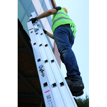Smart Level 3 delige ladder Smart Level en Top Safe 3 x 12 | werkhoogte 8,9 m.