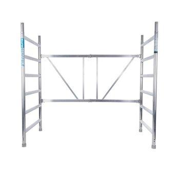 Kamersteiger 90 cm breed met opstap, platform met luik werkhoogte 3,0 meter en verstelbare wielen