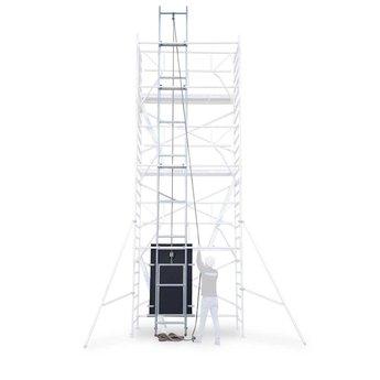 Zonnepanelen lift 8,2 meter werkhoogte