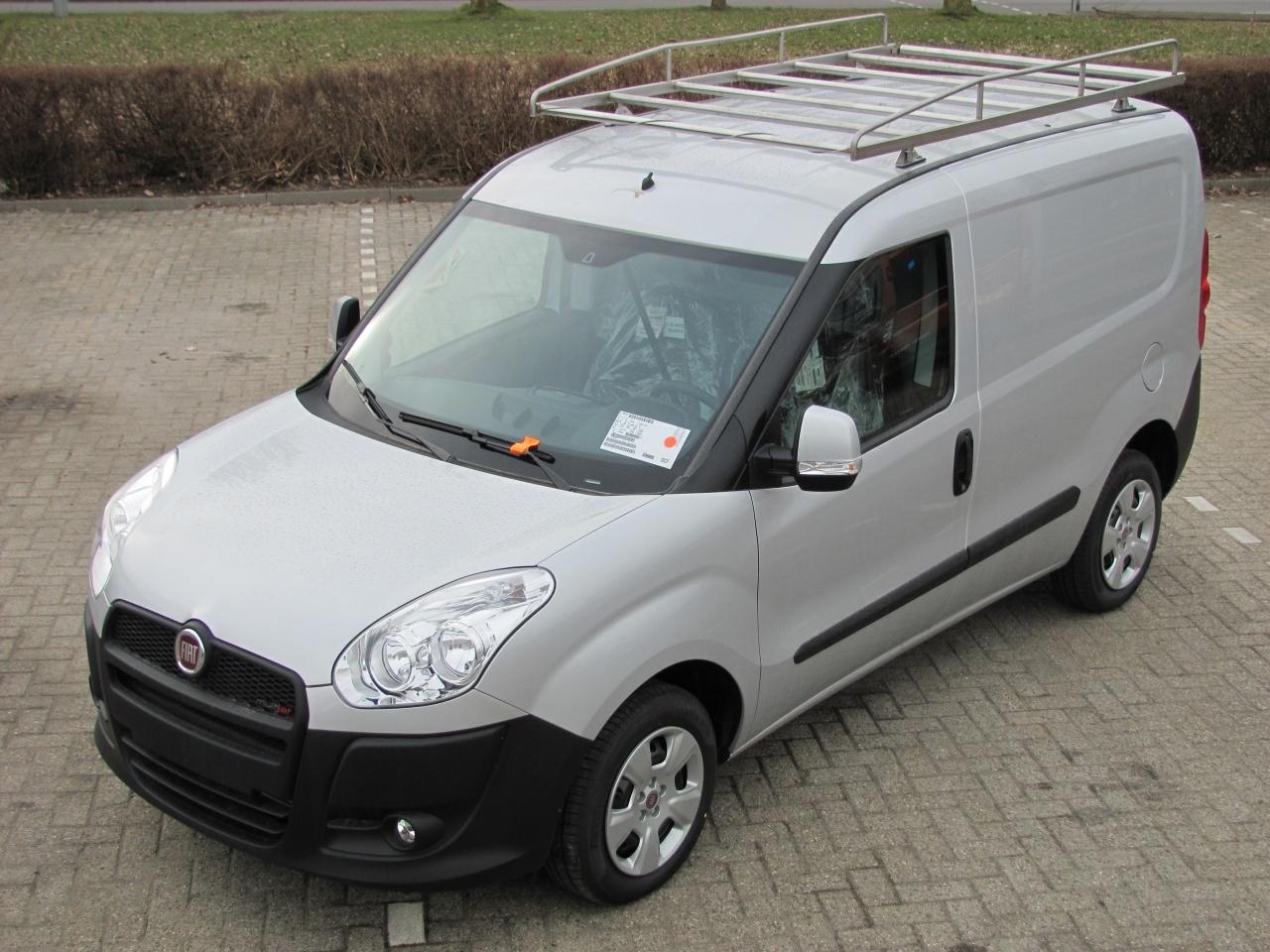 Imperiaal RVS Fiat Doblo Cargo Maxi vanaf 2012 met achterdeuren inclusief opsteekrol