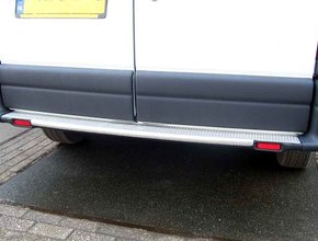 Renault Bumperpaneel aluminium Renault Master vanaf 2010 uitvoering met voorwielaandrijving en originele opstap