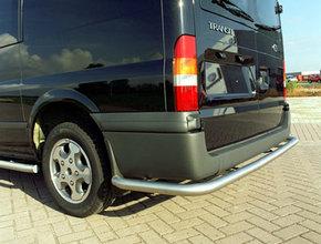 Rearbar RVS geborsteld Fiat Ducato vanaf 2006 L1 L2 L3 doorlopend tot aan de wielkast met Thule trekhaak